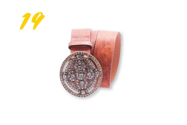 19. Cinto de couro com fivela de strass (R$ 99) Rosana Mattua | @rosanamattuaacessorios