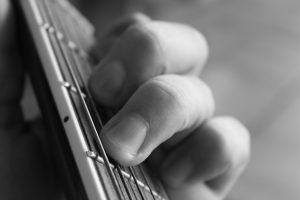 guitar-1003904_640