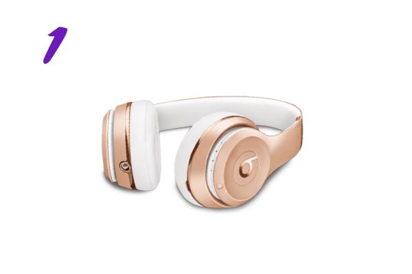 Fone de ouvido Beats Solo³ Wireless dourado (R$ 1.799)