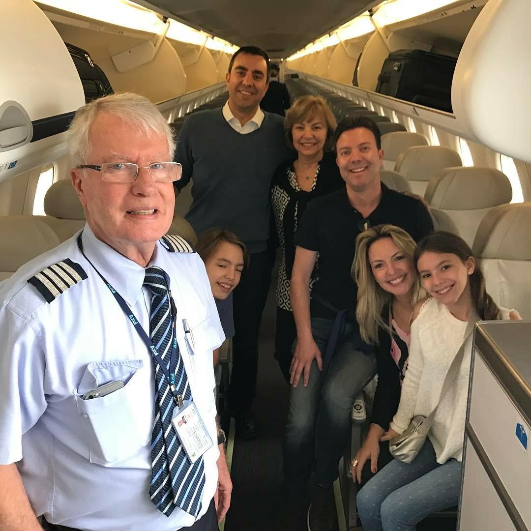 Esposa, filhos e netos acompanharam o dia especial do piloto