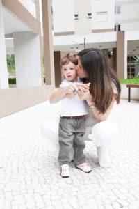 Marcus, filho de Luciana, foi diagnosticado com apraxia aos dois anos